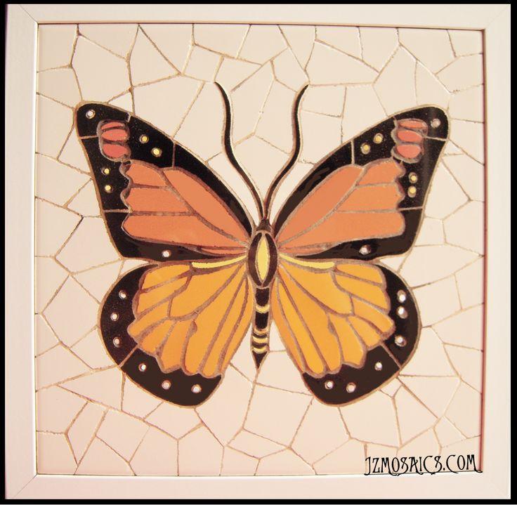 Mariposa en trencadís.  (30 x 30 cm). Piezas únicas, trabajadas totalmente a mano.