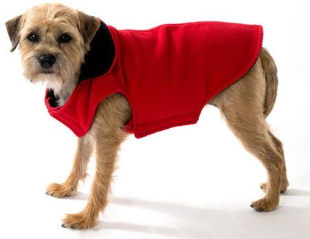 These double-faced Polar Fleece coats with easy-to-put-on fastenings are machine washable. Offers complete chest coverage.