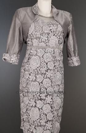 Zilvergrijze kanten jurk met bolero jasje 1581