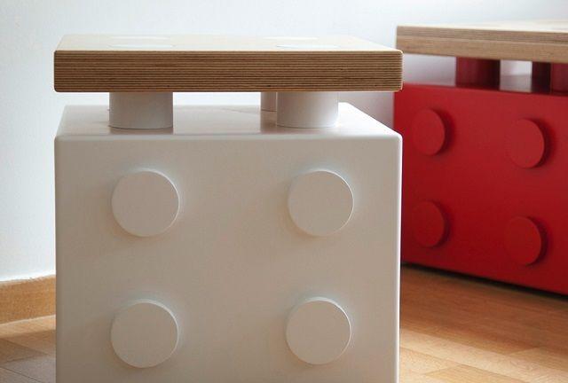 Comodino per bambini tipo Lego ottenuto con materiali di ...