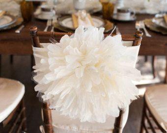 paper flowers in wedding decoration - декорирование свадебных стульев искусственными цветами