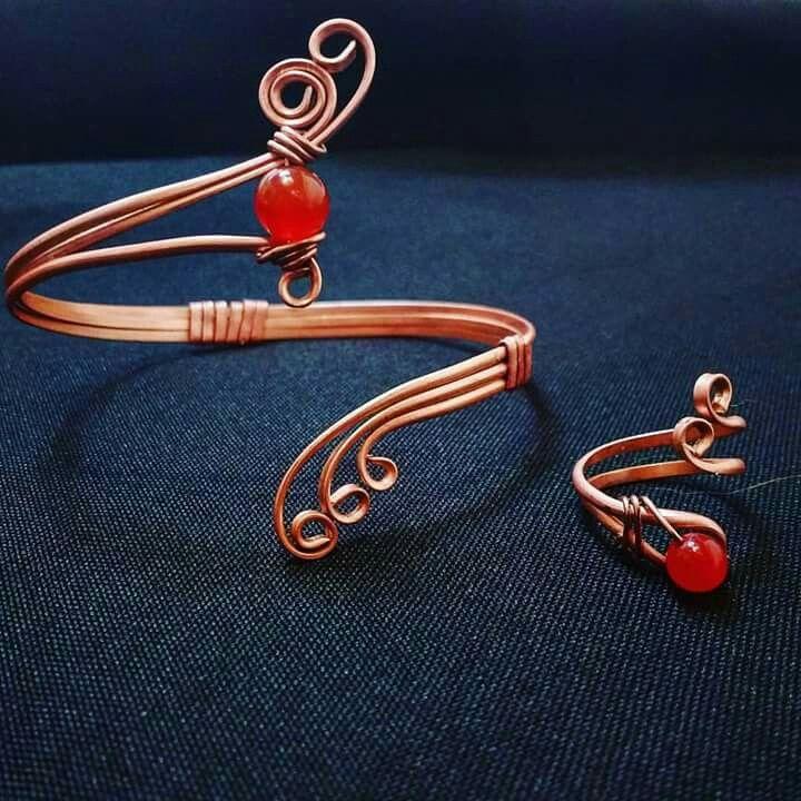 Brazalete y anillo en alambre de cobre piedra Agata cornalina