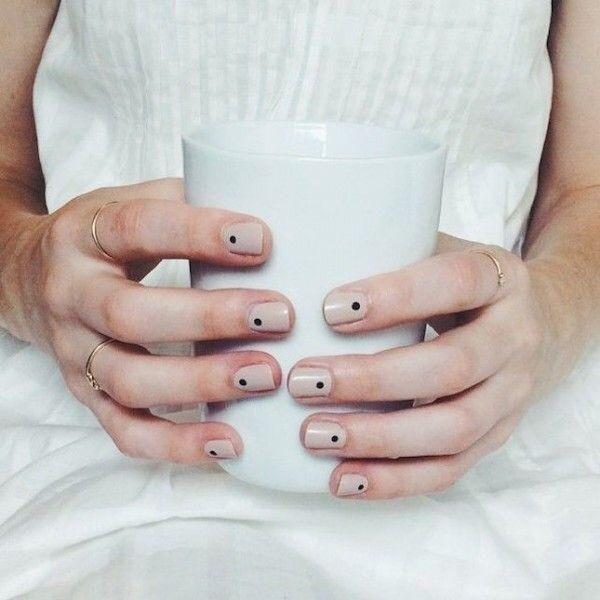 Uñas minimalistas | Belleza