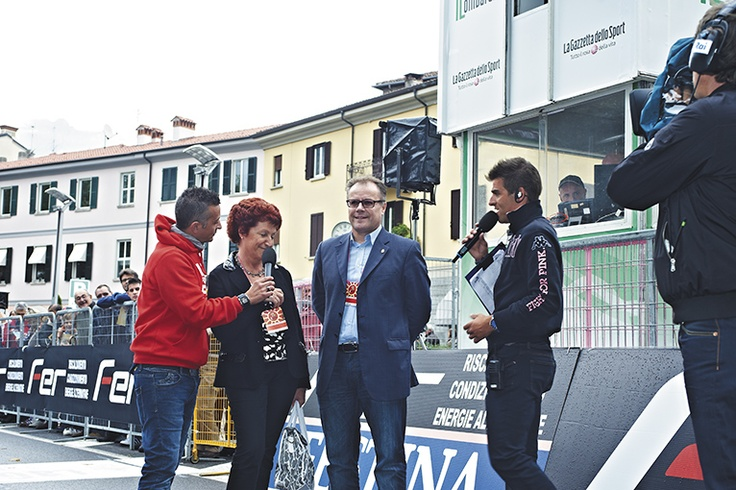Il presidente del Comitato Leccehse per il Grande Ciclismo Elisa Corti e il Sindaco Virginio Brivio