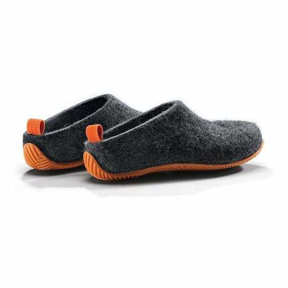 Fester Schuh aus Filz mit robuster Gummisohle. Raffiniert gestaltet, tragbar drinnen wie draußen, bequeme und haltgebende... - Schuhe Lahtiset: