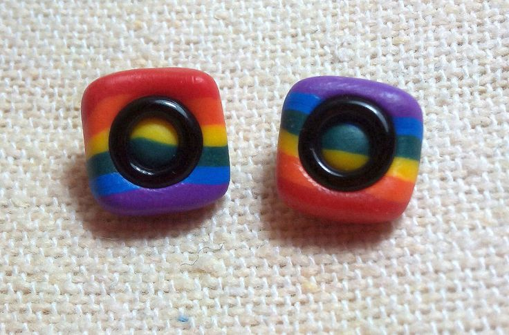 PENDIENTES BANDERA GAY UNISEX CUADRADOS  Y DE HOMBRE MAN GAY FLAG EARRINGS ES