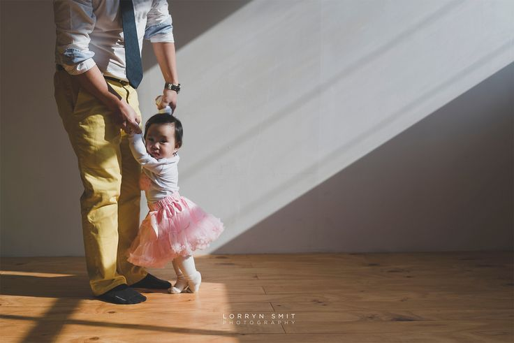 Baby and dad #firstbirthdayphotoshoot #koreanfirstbirthday #doljanchi #baby #familyphotography #love #beautiful #toddler #babyphotography #childphotography #babygirl