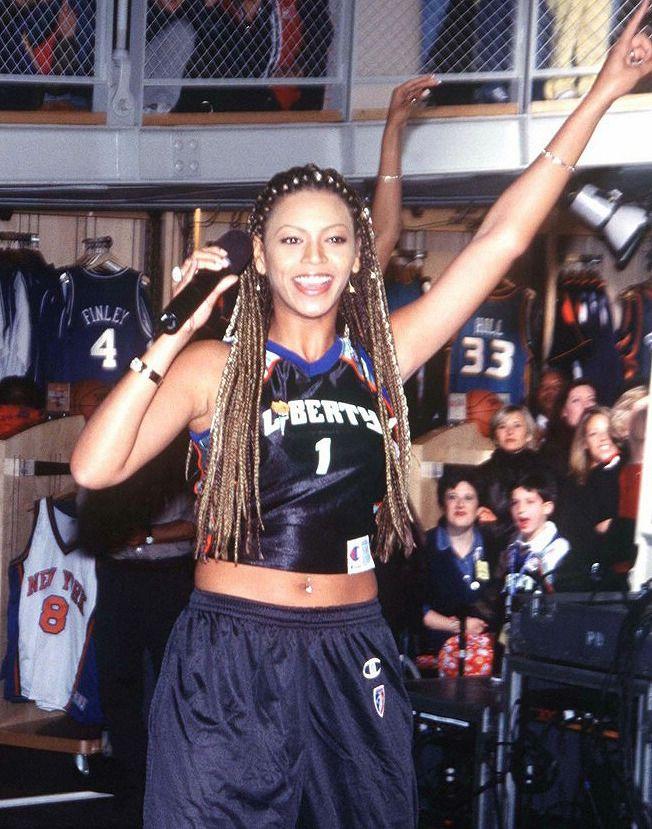 Nba Store 1999 90s Hip Hop Fashion 90s Fashion Outfits Beyonce Style