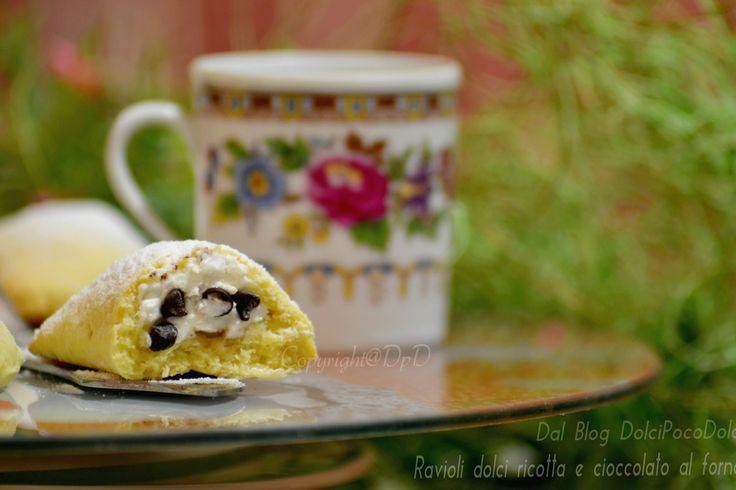 Ravioli dolci ricotta e cioccolato al forno   Dolci facili e veloci di una bontà unica, frolla friabile preparata in 2 minuti, senza sporcare in cucina