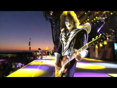 ▶ Kiss - Cold Gin (Live @ Rock am Ring 2010) (HD) - YouTube