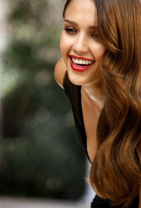 .Red Lipsticks, Hair Colors, Hairmakeup, Style Hair, Long Hair, Hair Makeup, Jessicaalba, Vintage Style, Jessica Alba