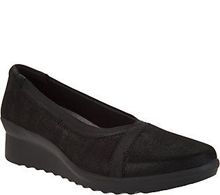 CLOUDSTEPPERS by Clarks Low Wedge Pumps - Caddell Dash