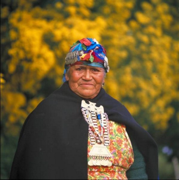 The Mapuche people is a ethnic group from south Chile. They are known from their gorgeous piece of silver jewelry. Only the Mapuche women wears these magic pieces of silver. The jewelry are made from geometrical forms.