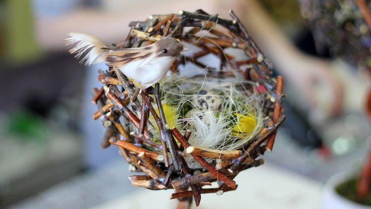 """В этом видео-уроке делаем новый топиарий: """"Птичье гнездо"""" — настоящее дерево счастья, символизирующее семейное гнездышко. Самое трудное и деликатное в этом м..."""