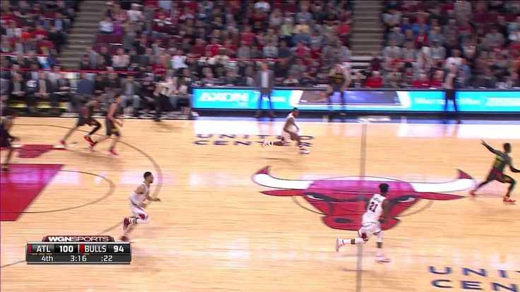 Denzel Valentine comes up huge late in the 4th with back to back triples: