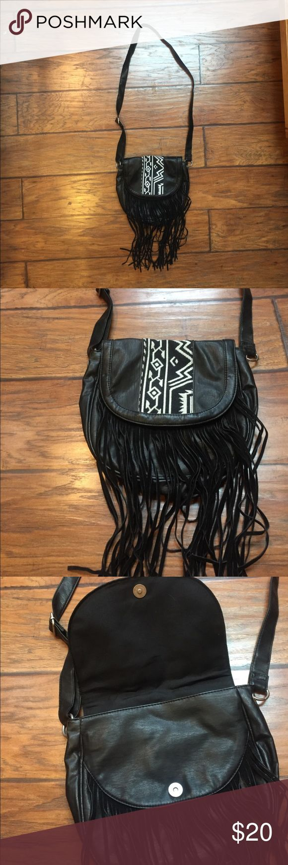 MUDD Hobo Style Aztec Purse with Fringe Hobo style purse from MUDD, carried once and daughter didn't like it.  Strap is adjustable. Mudd Bags Crossbody Bags