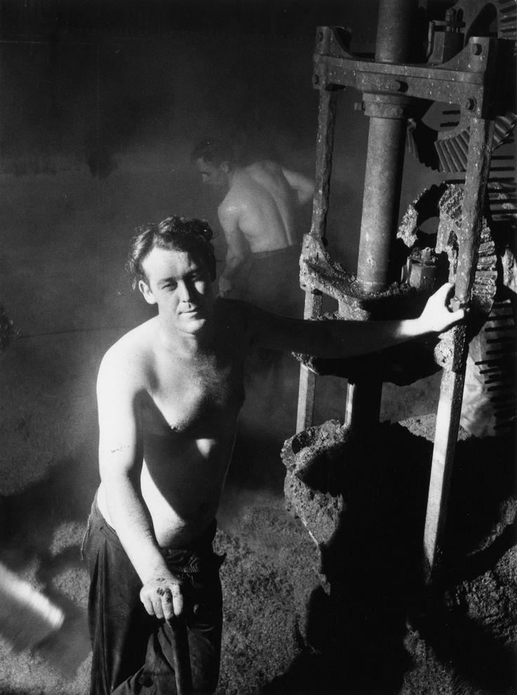 Hop into the legendary Guinness brewery, circa 1953- #realmen