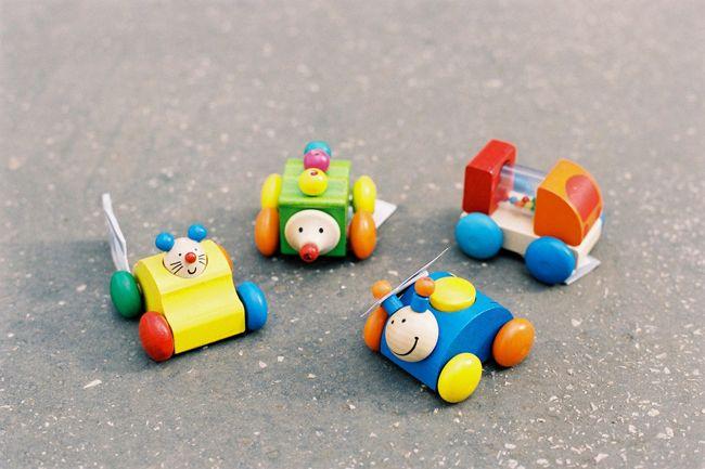 Drevené autička pre malé deti