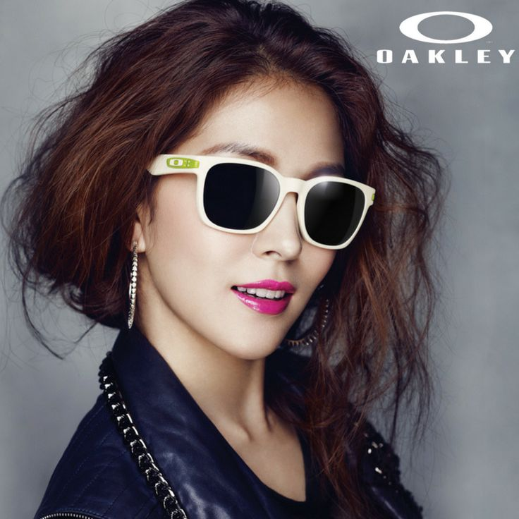 Oakley eyewear feature razer sharp vision, matched with the ultimate of technology.