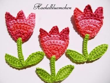 ♥.•:*´¨`*:•♥  Aplique de Tolipas em Crochê - / ♥.•:*´¨`*:•♥   Apply in Tulips of Crochet  -