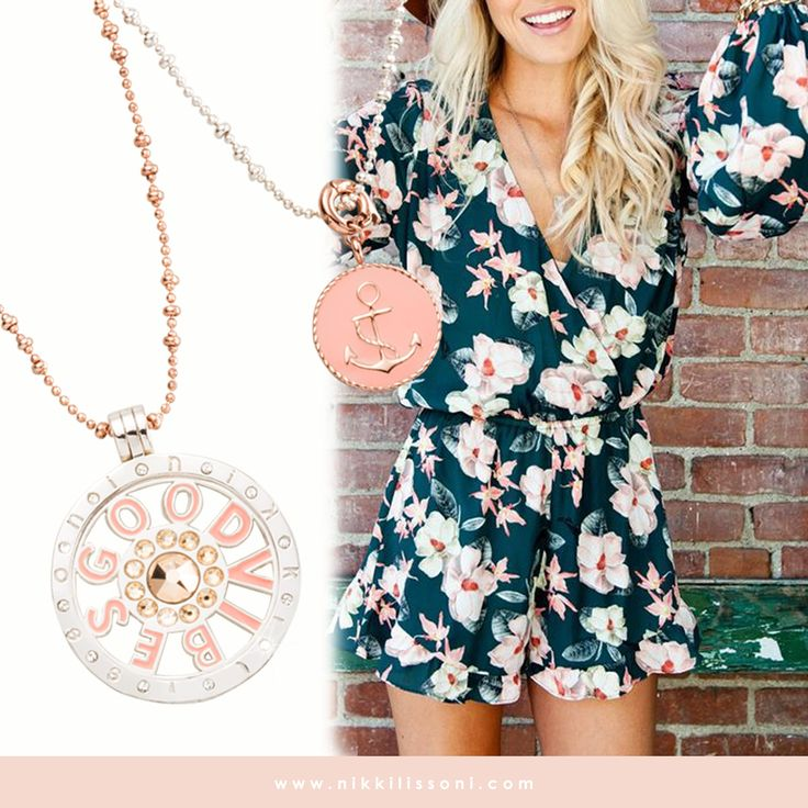 Start your monday with our 'good vibes' necklace set-xx- Nikki