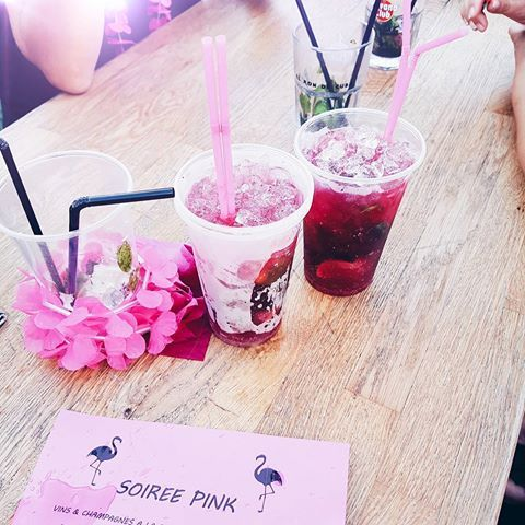 Pink party with friends 🍹🌸 #furco #clf #friends #girls #pink