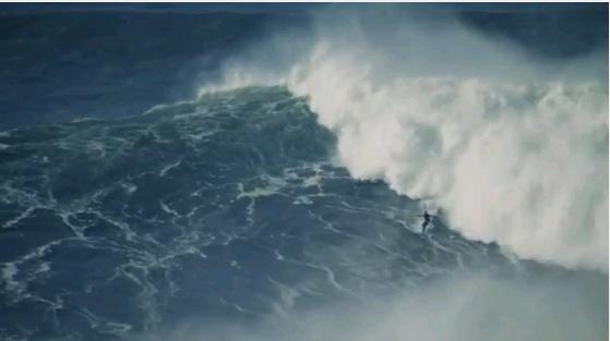 """""""feito"""" alcançado pelo nosso """"Extreme Waterman Explorer"""", António Silva http://mktmorais.com/partilha-opiniao/a-onda-que-o-mundo-nao-viu-surfada-por-um-tuga/#"""