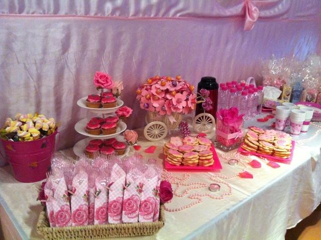 Garden Party Dessert Table #gardenparty #desserttable