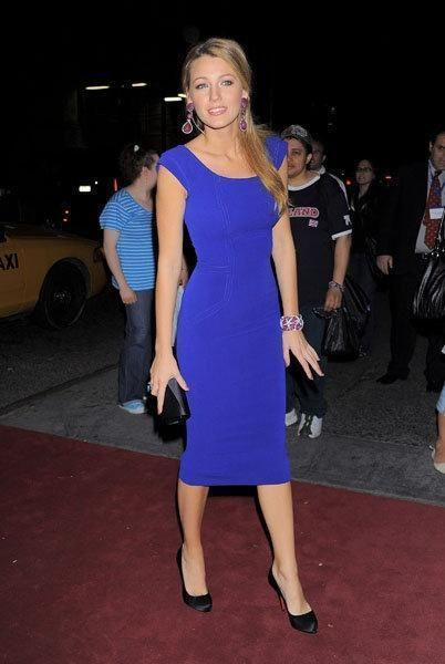 How To Wear A Cobalt Blue Dress - 9 steps (with images)