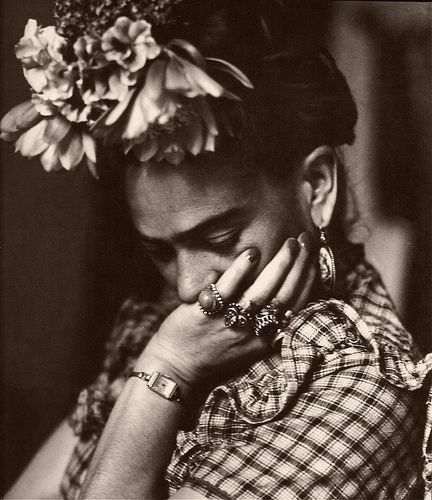 Frida Kahlo.    be who you are.: Frida Kahloblackwhiteartist, Inspiration, Style, Fridakhalo, Deep Thoughts, Fridakahlo, People, Frida Khalo, Photography