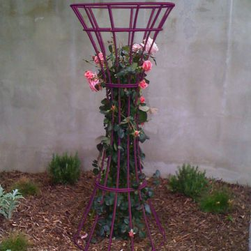 17 best images about metal works on pinterest metal for Free standing garden trellis designs