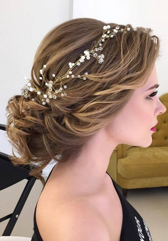 Wedding hairstyles for brides with long-haired hair. What hairstyles … – # brides #styles #fur #hair #wedding hairstyles
