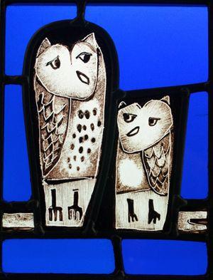 Stuart Low, South West glass artist, glass panel of 2 owls at the Devon Guild of Craftsmen 2014.