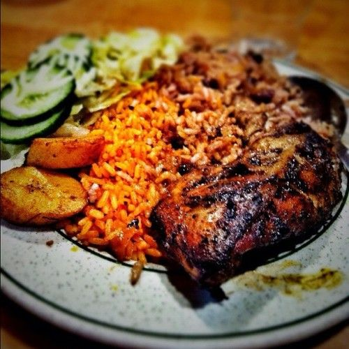 Plantain, jollof rice, chicken, i want that NOW