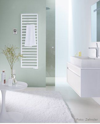Beautiful Bei diesem Bad Heizk rper ist die Gestaltung ganz auf den rechten Winkel ausgerichtet Quadratische Heizk rper BadHeizungBadezimmer