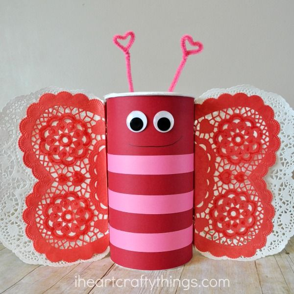 Learn how to turn an oatmeal container into this adorable Butterfly Valentine's Day Mailbox. It's perfect for taking to school on Valentine's Day for the class party.