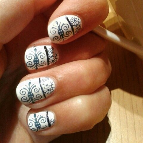 Porcelain nail art