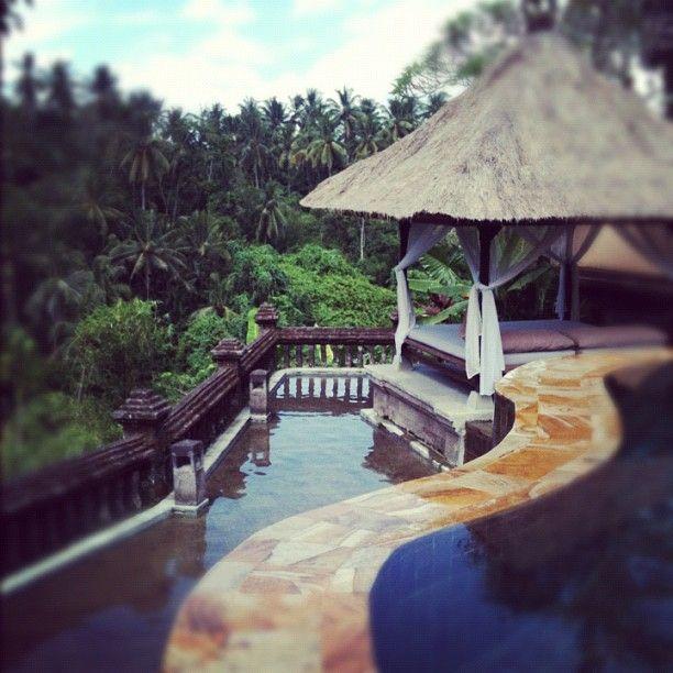 Pool Villa via @kaydeebird at twitter on May 03, 2012, 3:00pm