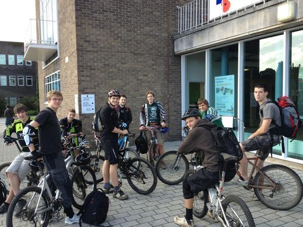 Swansea Uni Mountain Biking Club, ready to head off to some local trails
