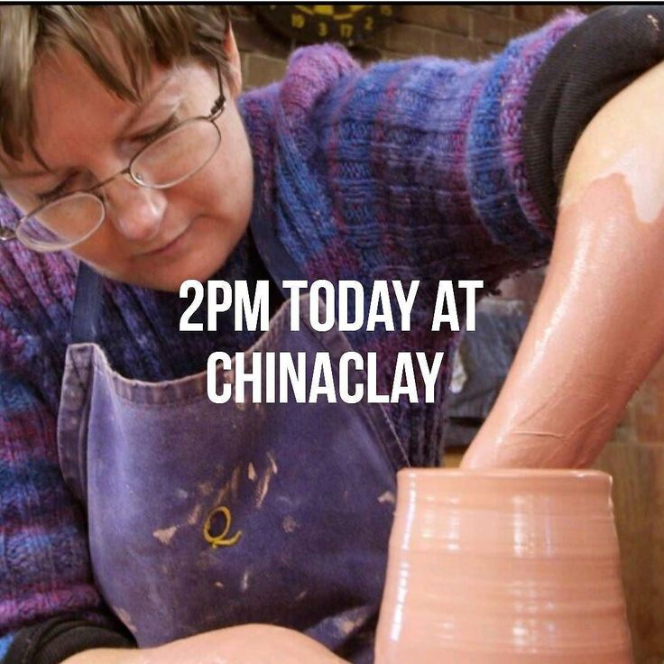 Don't miss Denise McDonald's wheel throwing demonstration this afternoon at Chinaclay. It all kicks off at 2pm... #chinaclay #clovelly #australianceramics #functionalceramics #ceramicsgallery #flowers #florist #denisemcdonald #sydneycraftweek