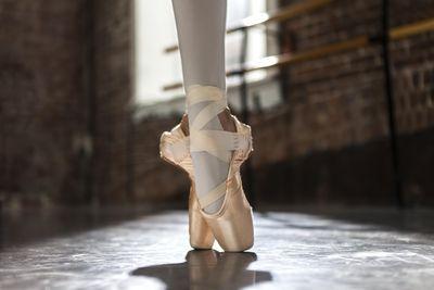 Ballerina feet in Sous sous en pointe