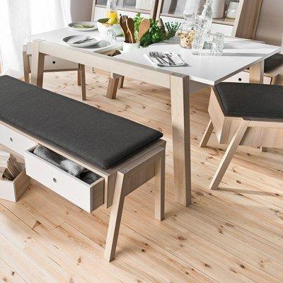MESA EXTENSIBLE SPOTTY   Mesa de comedor extensible de diseño nórdico, puede ser perfectamente integrada en lugares donde predomine una sensación natural.