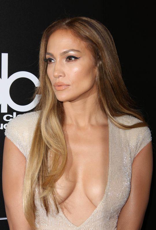 Jennifer Lopez looking especially glowy