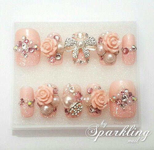 Glittery Pink Nail ❤