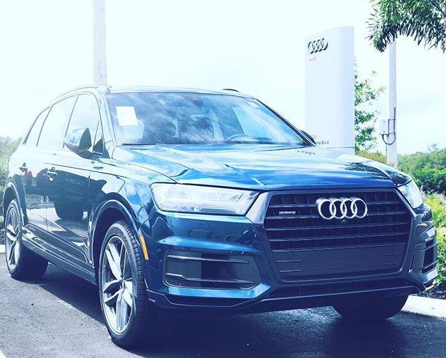 The Galaxy Blue Audi Q7 Galaxy Blue Audi 1000 Followers Audi Q7 Audi Galaxy