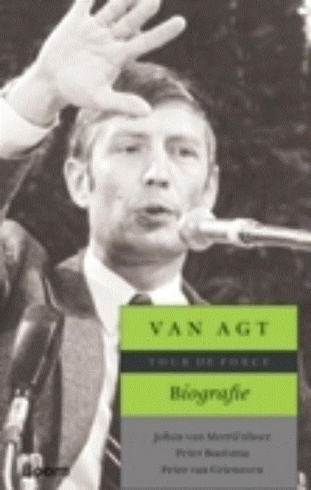 Van Agt biografie  Van Agt. Biografie Tour de Force Je was voor hem of je was tegen hem maar onver-schillig liet hij je nooit. Dries van Agt een exotisch verschijnsel in de Nederlandse politiek krijgt eindelijk de biografie die hij verdient. Dries van Agt werd in 1976 de eerste lijsttrekker van het CDA boorde ome Joop den Uyl (PvdA) een tweede kabinet door de neus en was daarna zelf vijf jaar lang premier. Van Agt bracht zijn jeugd door onder de katholieke zon in Brabant en Nijmegen. In de…