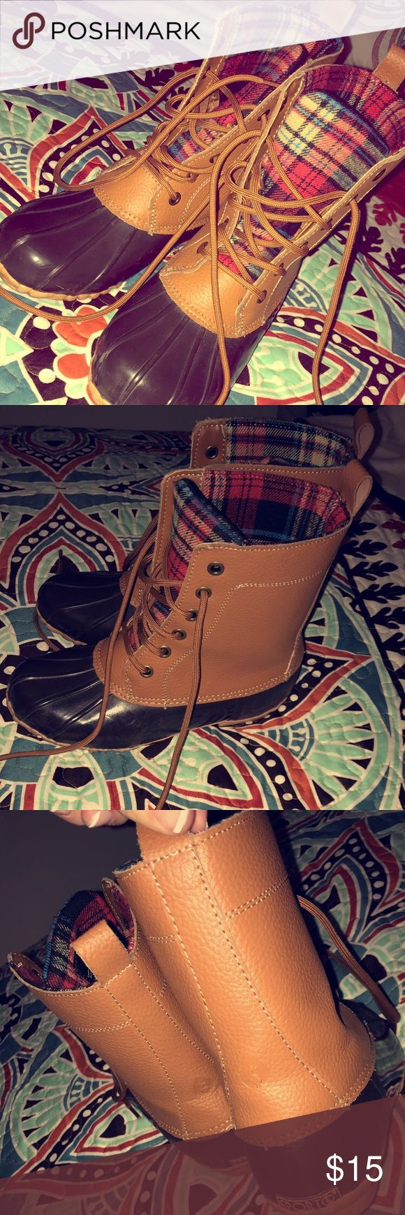 SpOrtO Boots Brown/ Flannel Sporto Boots  Good Condition!  Uses : Rainy weather -chilly weather - dressing up or dressing down    • if any questions message ! - offers maybe accepted • Sporto Shoes Lace Up Boots