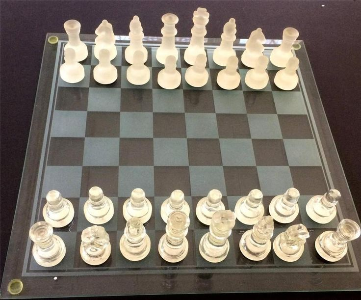 Glass Chess Set Bombay Company 33 pieces Clear / Frosted Glass Original Box Exc #BombayComapny