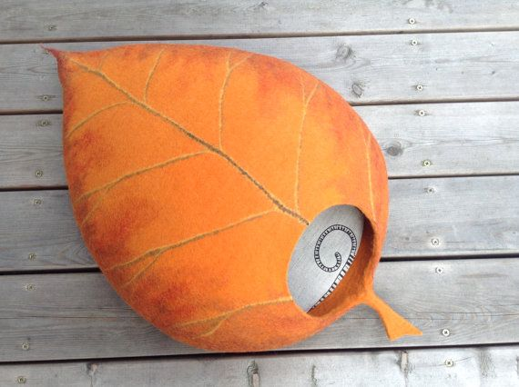 Cat bed /cat cave/cat house/orange leaf/felted cat cave With