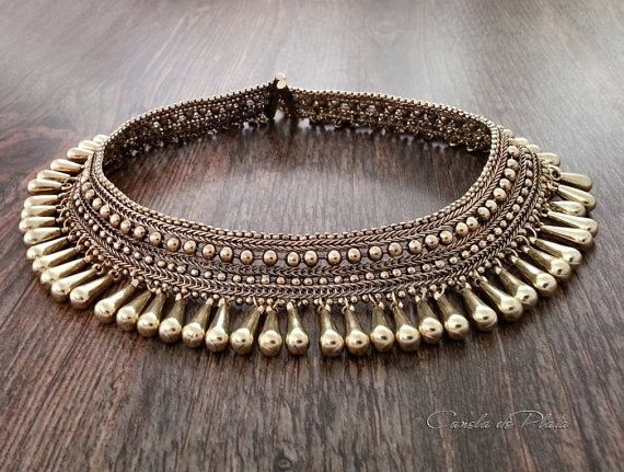 Collar tribal dorado. Collar bohemio. Collar por CaneladePlata                                                                                                                                                                                 Más
